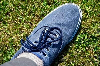 shoelace bow