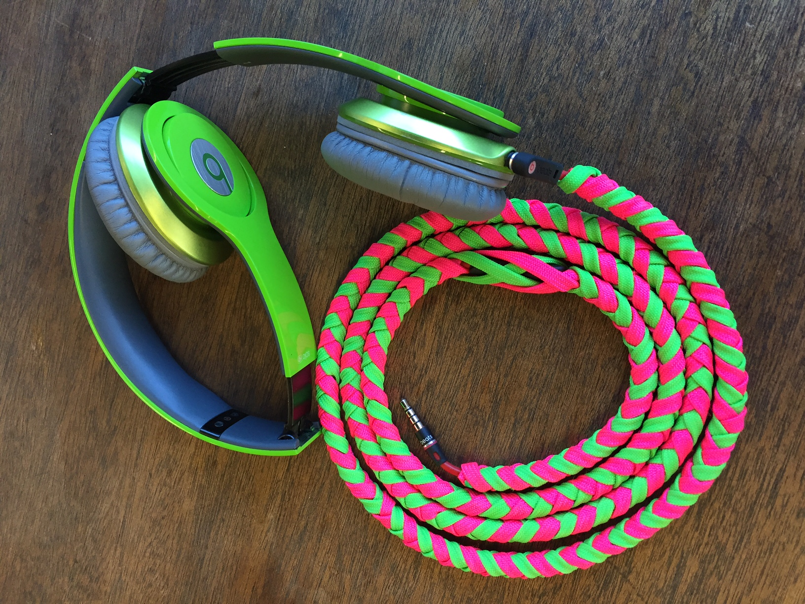 Neon colors paracord headphone