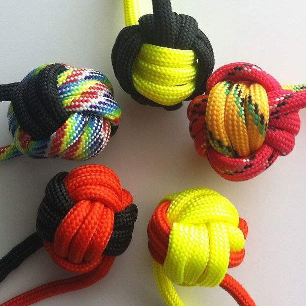 paracord monkey fist self defence